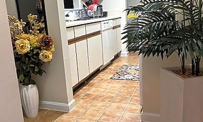 one bedroom entry.jpg, 800 Thomas Ct Apt 1, 0