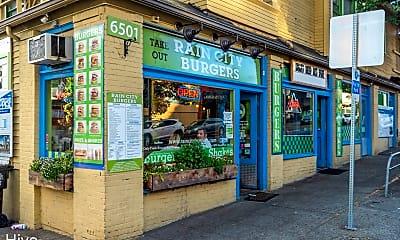 Community Signage, 6717 Roosevelt Way NE - 711, 2