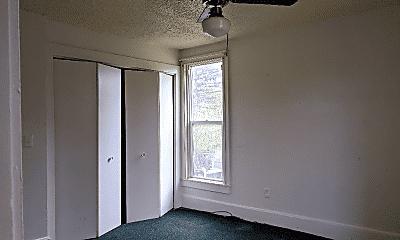 Living Room, 4 Fayette St E, 2