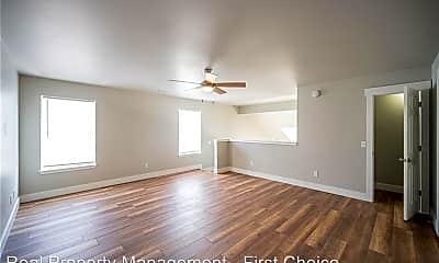 Living Room, 2407 W Ash St, 2