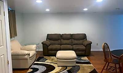 Living Room, 2421 Ramblewood Dr, 1
