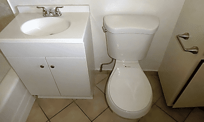 Bathroom, 6222 Hazeltine Ave, 2