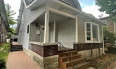 Building, 425 E 7th St, 1