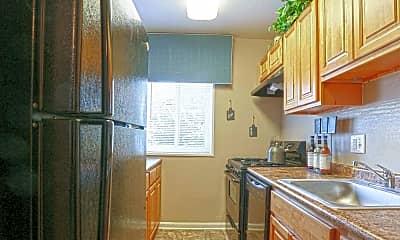 Kitchen, The Verona at Suitland Metro, 1