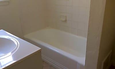 Bathroom, 1/2 N Spaulding Ave, 2