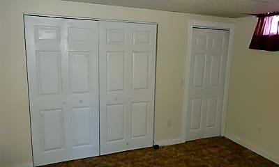 Bedroom, 6 Turner Dr 1, 2