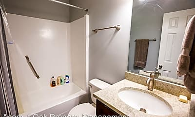 Bathroom, 10 Brandywine Ct, 2