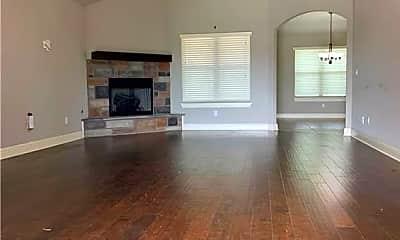 Living Room, 902 SW Cabriolet St, 1