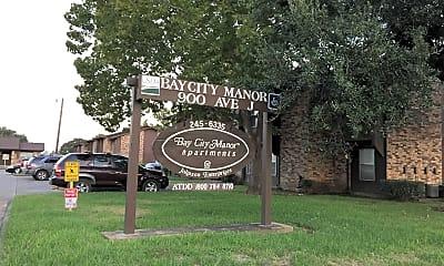 Bay City Manor, 1