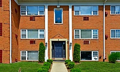 Building, Carriage House Apartments, 1