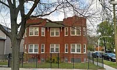Building, 702 N Waller Avenue, 1