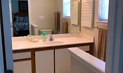 Bathroom, 2707 Meridian Dr, 1