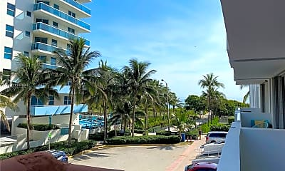 9195 Collins Ave 309, 2