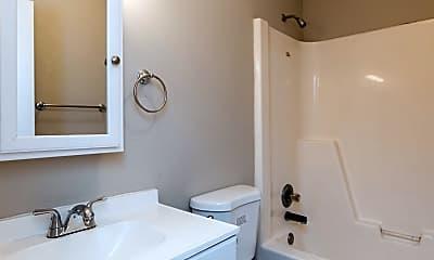 Bathroom, 431 Garden City Dr, 2