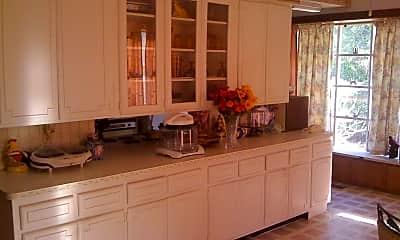 Kitchen, 1220 Park Pl N, 2