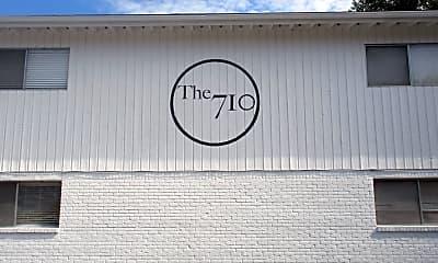 Community Signage, 710 W 34th St, 2