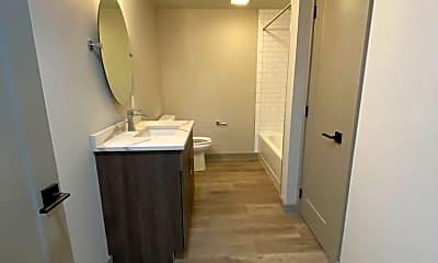 Bathroom, 472 Maple St, 1