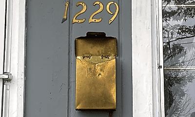 Building, 1229 Neubert Ave, 1