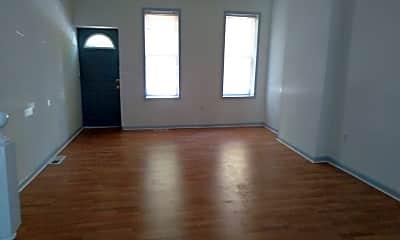 Living Room, 1021 N Pine St, 1