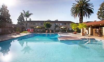 Pool, Mariposa, 0