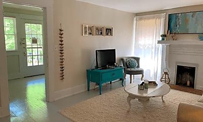 Living Room, 1420 33rd St S, 1