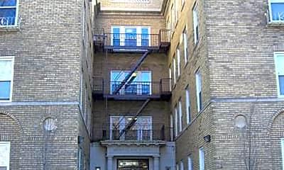 Building, 28 Gates Avenue Apartments, 0