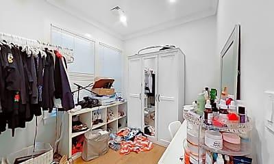 Bathroom, 134 Chelsea St., #2, 2