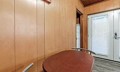 Dining Room, Room for Rent -  a 8 minute walk to bus 193 &, 1