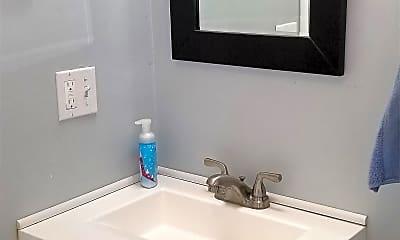 Bathroom, 11 Eaton Pl, 2