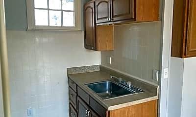 Kitchen, 2537 Medary Ave, 1