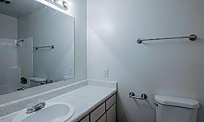 Bathroom, Garden View, 2