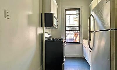 Living Room, 1281 Union St, 1