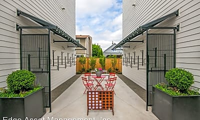 Patio / Deck, 5635-5645 NE Glisan Street, 2