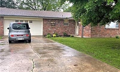 Building, 2404 W Oak St, 1