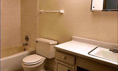 Bathroom, 4630 S 23rd St, 1