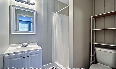 Bathroom, 2004 Utah St, 1