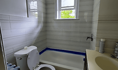 Bathroom, 38 Park Hill Ave, 0