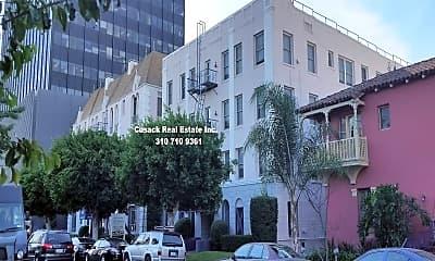 Building, 657 S Cochran Ave, 0