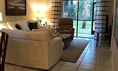 Living Room, 300 E Club Cir, 1