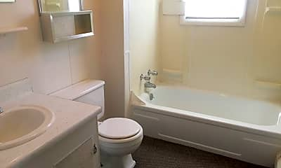 Bathroom, 1138 S Cedar St, 2