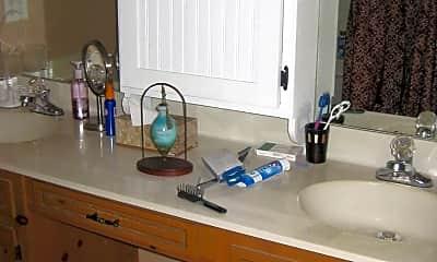Bathroom, 601 Okuma Dr, 2