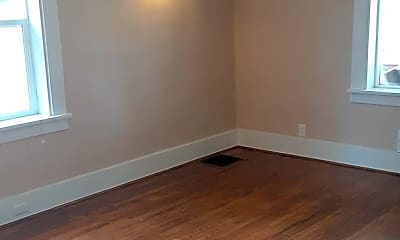 Bedroom, 33 E Montezuma Ave, 1