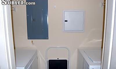 Bathroom, 1108 Beach Dr, 2
