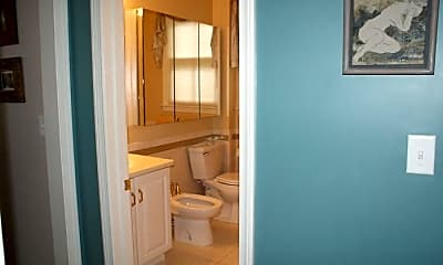 Bathroom, 35 Magee St, 1