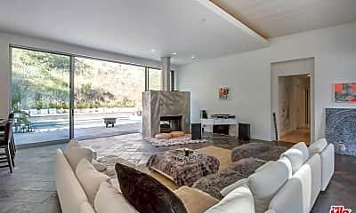 Living Room, 8137 Amor Rd, 1