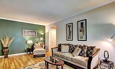 Living Room, 2777 Woodland Park Dr, 0