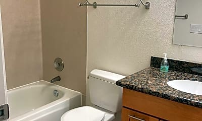 Bathroom, 1515 NE 148th St, 2