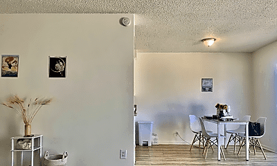 Dining Room, 1021 Cliff Dr, 2