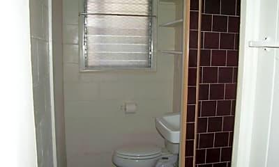 Bathroom, 2721 Kapiolani Blvd, 2
