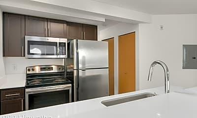Kitchen, 999 Hiawatha Pl S, 0